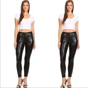 NEW! BLACK SEQUINS LEGGINGS IN SIZE SMALL